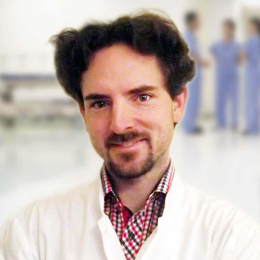 Oskar Sulima - Lekarz specjalista chorób wewnętrznych (Internista). Przychodnia we Wrocławiu. Centrum Medyczne PRZYJAŹNI
