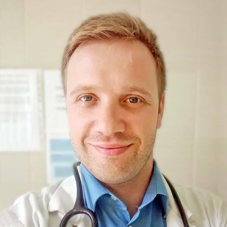 Andrzej Lenczyk - lekarz specjalista rehabilitacji medycznej. Przychodnia we Wrocławiu. Centrum Medyczne PRZYJAŹNI
