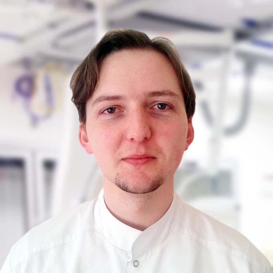 Lek. Piotr Jurczyk. Neurolog Wrocław. Przychodnia Wrocław. Centrum Medyczne PRZYJAŹNI.