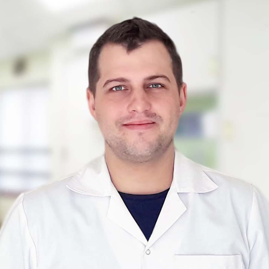 Lek. Mateusz Szmit. Proktolog Wrocław. Chirurg Wrocław. Lekarz Wrocław. Przychodnia Wrocław. Centrum Medyczne PRZYJAŹNI
