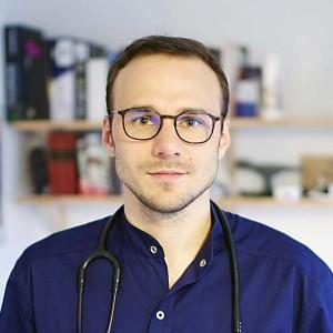 Lek. Paweł Hackemer. Urolog Wrocław. Chirurg Wrocław. Przychodnia Wrocław. Centrum Medyczne PRZYJAŹNI