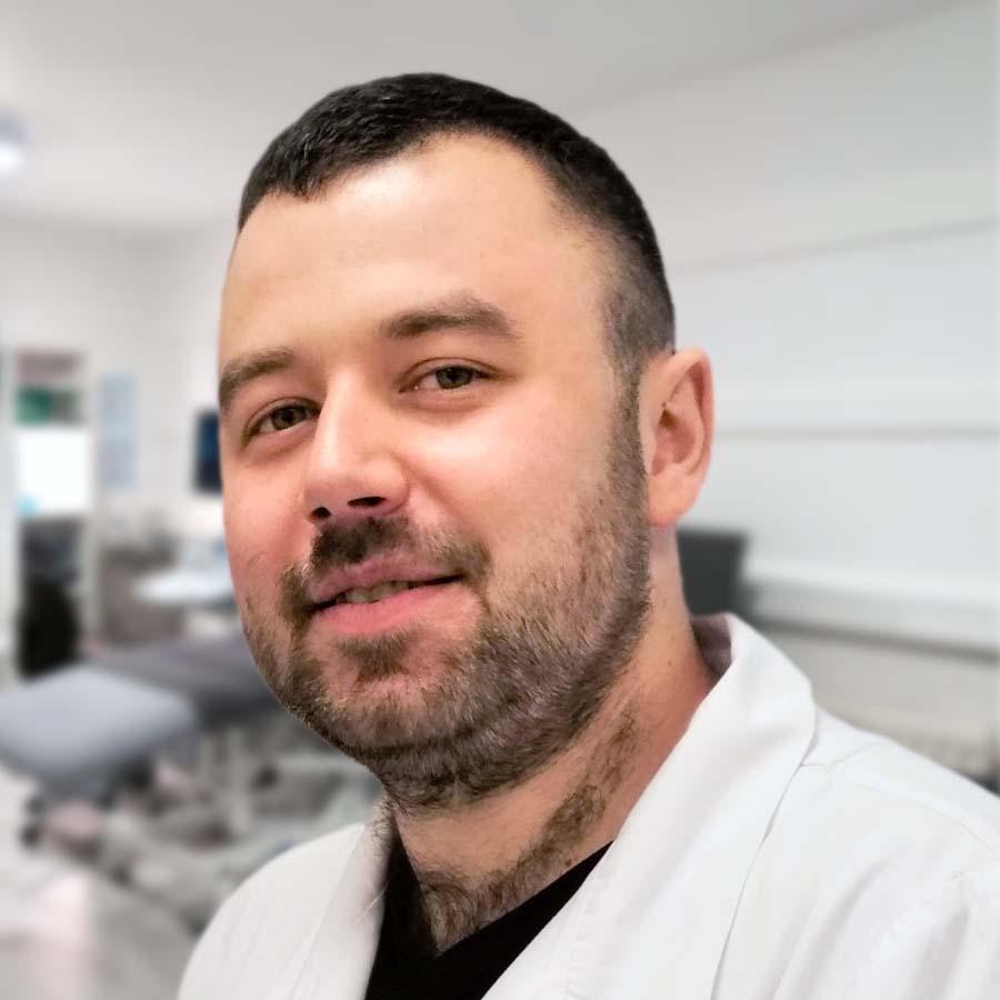 Lek. Tomasz Buczałowski. Radiolog Wrocław. USG Wrocław. Przychodnia Wrocław. Centrum Medyczne PRZYJAŹNI